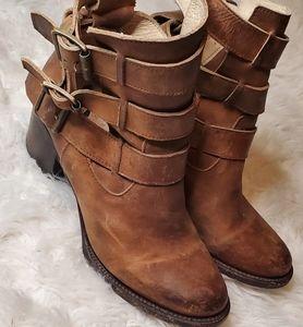 Freebird rolling boots